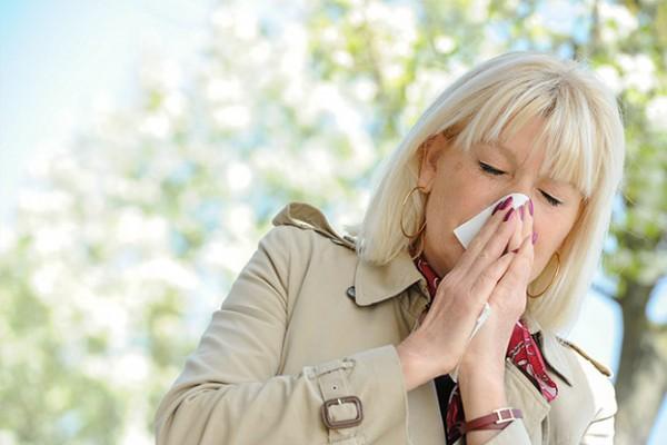 heuschnupfen-pollenallergie-tipps-hausmittel
